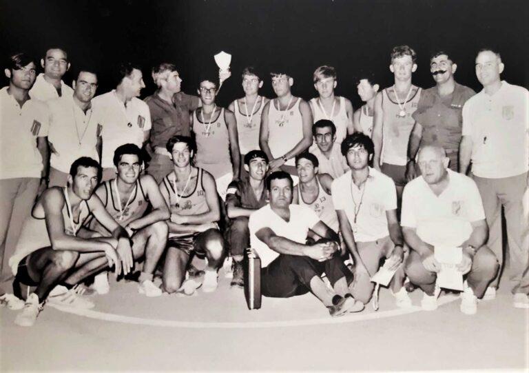סיירת שקד בכדורסל זוכה באליפות פיקוד דרום בתקופתו של דני רהב וולף