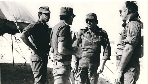 ספקטור מח ט גבעתי בתרגיל חטיבתי ביקור אלוף משה וחציפדלה מפקד האוגדהיוסי אלדר